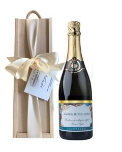 Personalised-Christmas-Champagne-in-Wooden-presentation-box