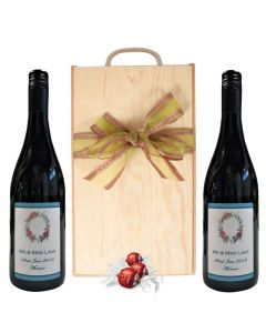 duo-of-personalised-red-wine-in-wooden-box