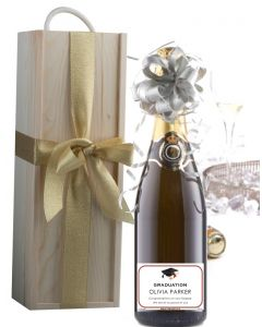 Personalised-graduation-Champagne-in-Wooden-presentation-box