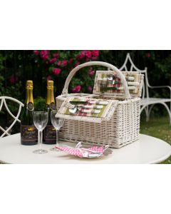 """The """"Hyde Park"""" Picnic Hamper - with 2 Bottles Personalised Champagne"""