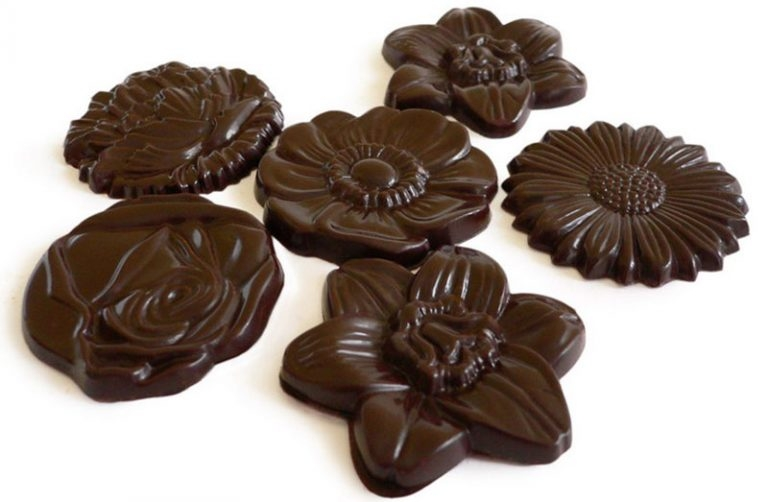 branded-chocolate-flowers