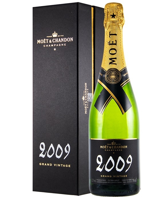 moet-2009-champagne-in-gift-box