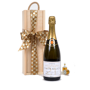 Personalised-21st-champagne-with-wooden-presentation-box